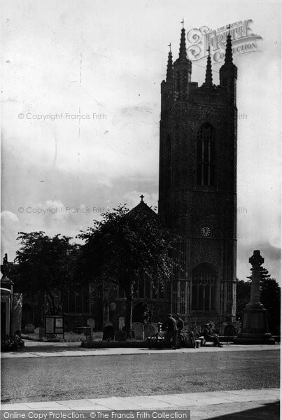 Bungay, The Priory Church Of St Mary 1957