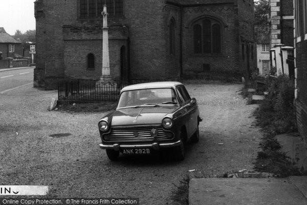 Buntingford, Morris Oxford Car c.1965