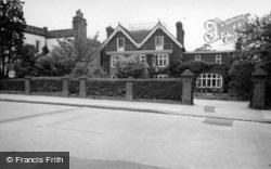 Dene Hollow Hotel c.1960, Burgess Hill
