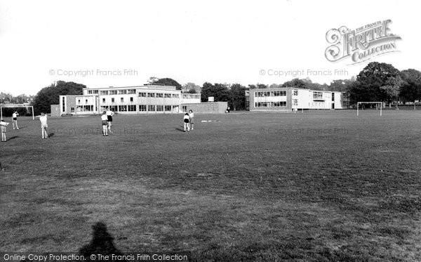 Photo of Burgess Hill, Oakmeeds School c1960