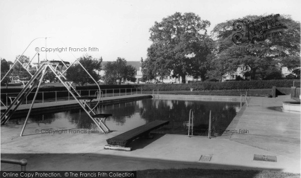 Photo of burgess hill swimming pool st john 39 s park for Burgess builders