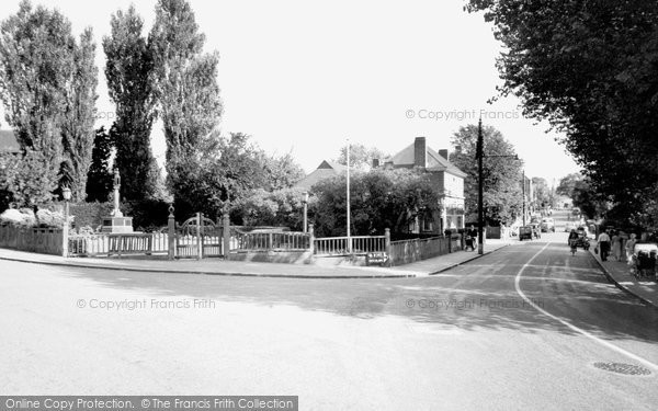 Burgess Hill, The Memorial c.1960