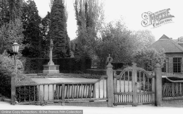 Burgess Hill, The Memorial c.1965