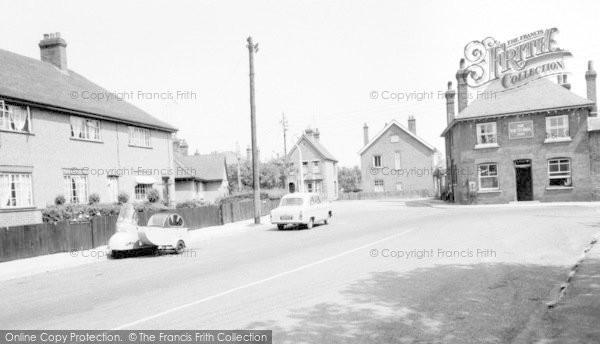 Burnham On Crouch, High Street And The Victoria Inn c.1960