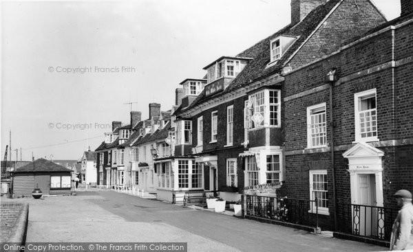Burnham On Crouch, The Olde White Harte Hotel c.1965