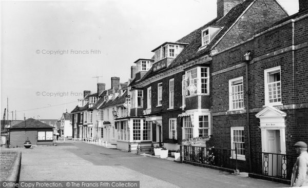 Burnham-on-Crouch, c.1965, Essex.  (Neg.  B325117)  © Copyright The Francis Frith Collection 2005. http://www.francisfrith.com