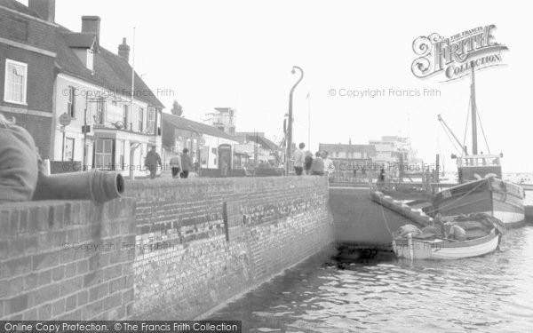 Burnham On Crouch, The Promenade c.1965