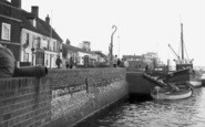 Burnham-on-Crouch, The Promenade c.1965