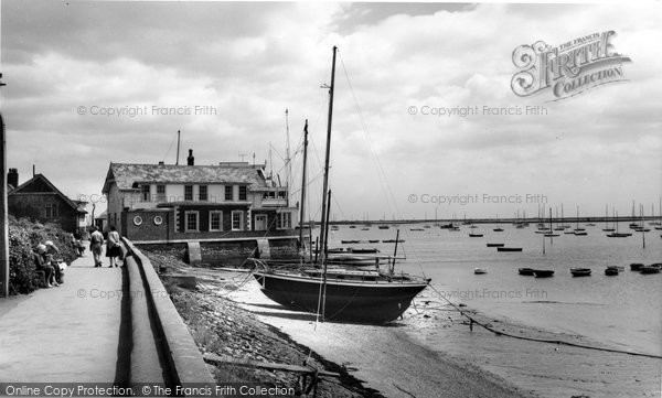 Burnham-on-Crouch, c.1965, Essex.  (Neg. B325095)  © Copyright The Francis Frith Collection 2005. http://www.francisfrith.com