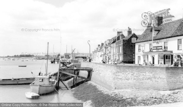 Burnham-on-Crouch, Town Steps c1965, Essex.  (Neg. B325107)  © Copyright The Francis Frith Collection 2005. http://www.francisfrith.com