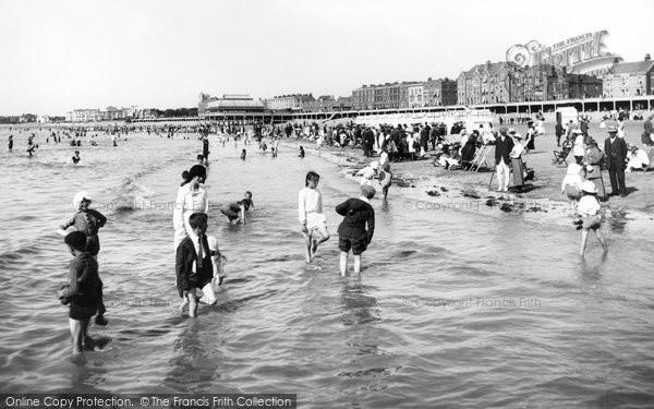 Burnham On Sea, Paddling 1918