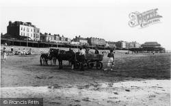Burnham-on-Sea, The Beach c.1939