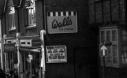 Burnham, Wall's Ice Cream 1968
