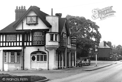 Swan Hotel c.1955, Bursledon