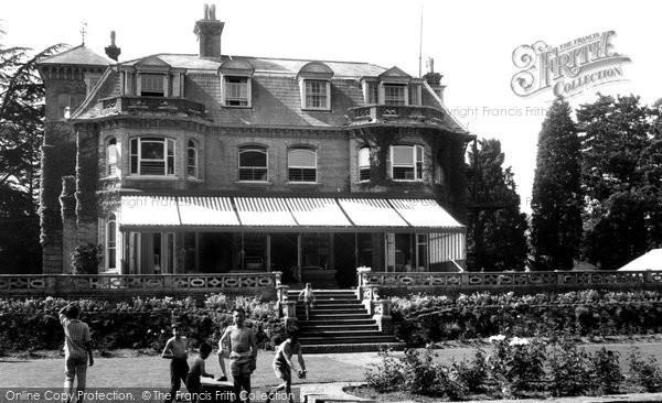 Photo of Bursledon, the Hospital c1960