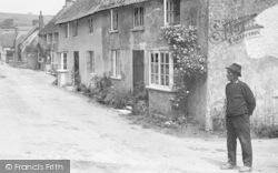 Villager, High Street 1922, Burton Bradstock