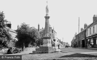 Burton Latimer, War Memorial and High Street c1955