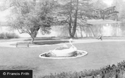 Burton Upon Trent, Stapenhill Gardens c.1965