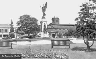 Burton upon Trent, War Memorial c1955