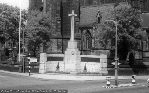Bury, The War Memorial, Market Place c.1955