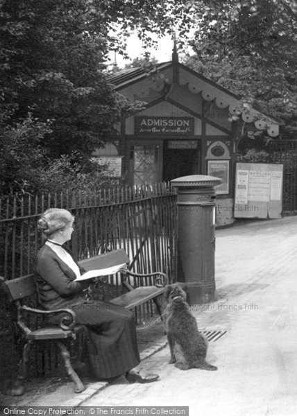Buxton, The Broad Walk 1932