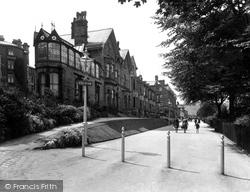 The Broad Walk 1932, Buxton