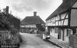 Byworth, The Village 1906