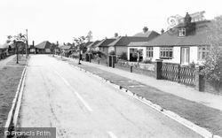 Caddington, Hawthorne Crescent c.1960
