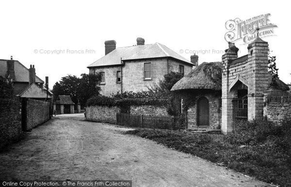 Photo of Caerleon, Priory Gateway 1931, ref. c4002