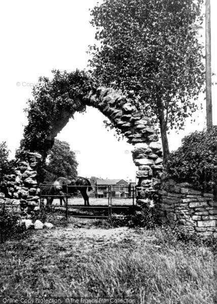Photo of Caerleon, the 'Roman' Arch 1931, ref. c4023