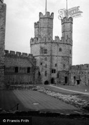 Castle 1952, Caernarfon