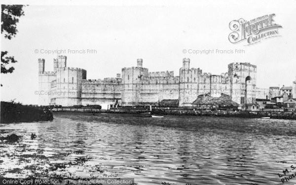 Photo of Caernarfon, Castle c.1935