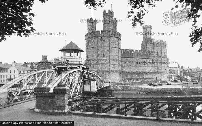 Photo of Caernarfon, Castle c.1955