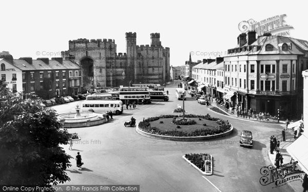 Photo of Caernarfon, Castle Square 1959