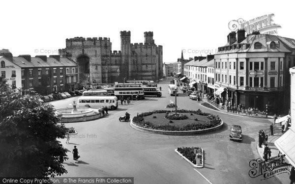 Photo of Caernarfon, Castle Square 1959