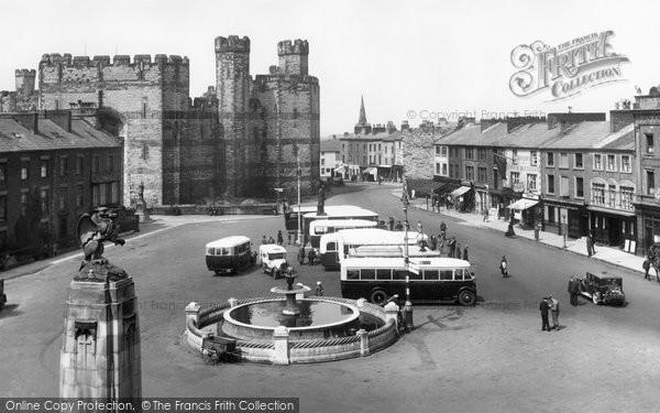 Photo of Caernarfon, Square 1933