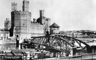 Caernarfon, the Castle and Swing Bridge 1906