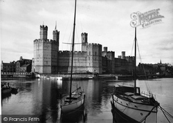 Caernarfon, The Castle c.1935