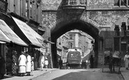 Caernarfon, the Guildhall Arch 1921