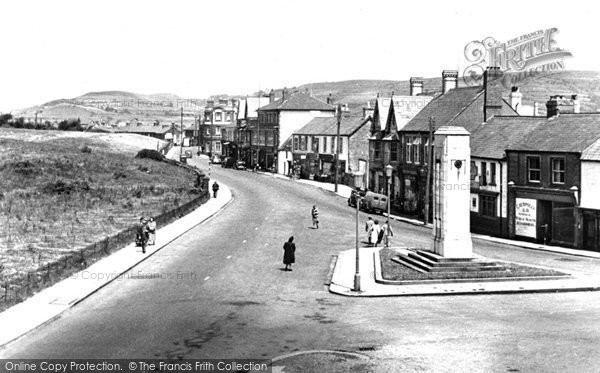 Photo of Caerphilly, Castle Street c.1950