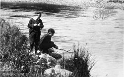 Callander, Boys Fishing 1899