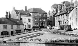 Calne, Central Gardens c.1960