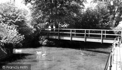 Calne, Doctors Pond c.1965