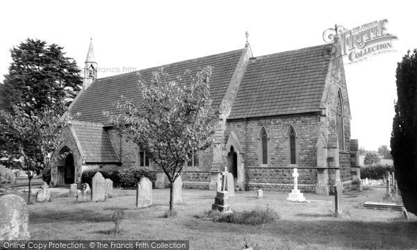 Calne, Holy Trinity Church c.1960
