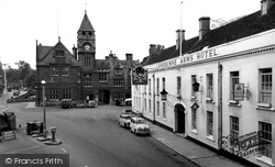 Calne, Lansdowne Arms Hotel And Town Hall c.1960