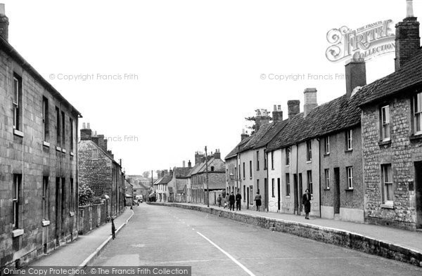 Photo of Calne, London Road c.1955