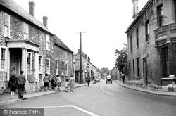 Calne, London Road c.1955