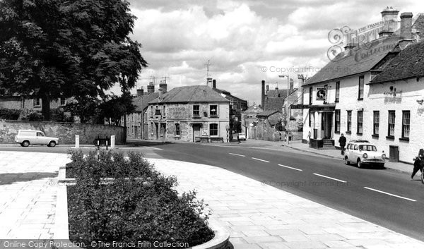 Photo of Calne, London Road c1965