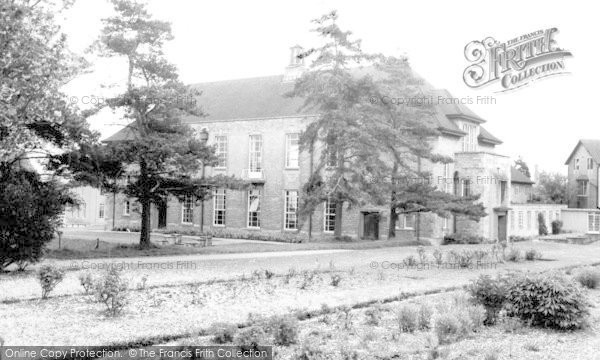 Photo of Calne, St Mary's School c.1970
