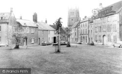 Calne, The Green And St Mary's Church c.1970